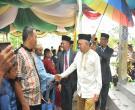 Gubri H Arsyadjuliandi Rachman Menyapa Masyarakat Saat Hadiri Apel Tahunan Pondok Pesantren Nurul Hidayah Di Pasiran Kec Bantan Kab Bengkalis.