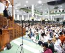 Gubri H Arsyadjuliandi Rachman Sholat Gerhana Bulan Bersama Ribuan Jamaah Di Masjid Raya An Nur