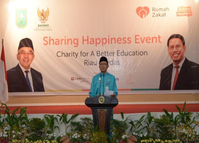 ASS III Setda Prov Riau Memberikan Sambutan Saat Hadiri Sharing Happiness Event Di Balai Pauh Janggi Gedung Daerah