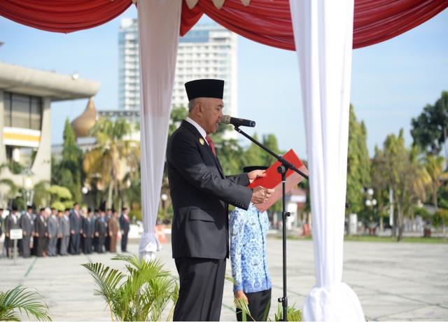 Gubri Inspektur Upacara Peringatan Hari Kesaktian Pancasila Tahun 2017 Di Halaman Kantor Gubernur Riau
