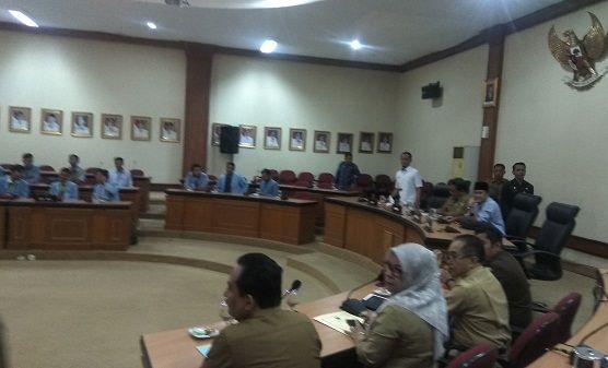 Bertemu Mahasiswa Unri, Pemprov Riau Bahas ...