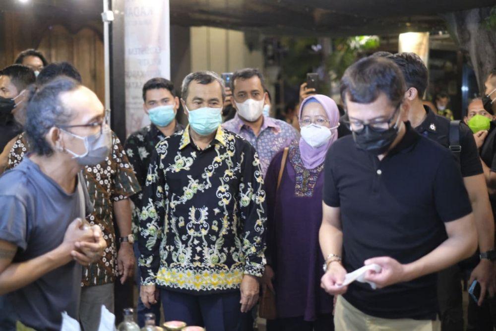 Gubri Promosikan Batik Riau Di Bali