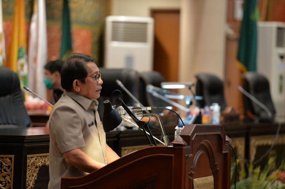 Sekdaprov Riau Sampaikan Jawaban Kepala Daerah ...