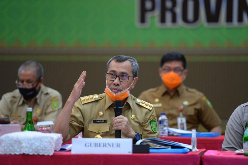 Pimpin Rapat Karhutla Dengan Bupati/Walikota, ...