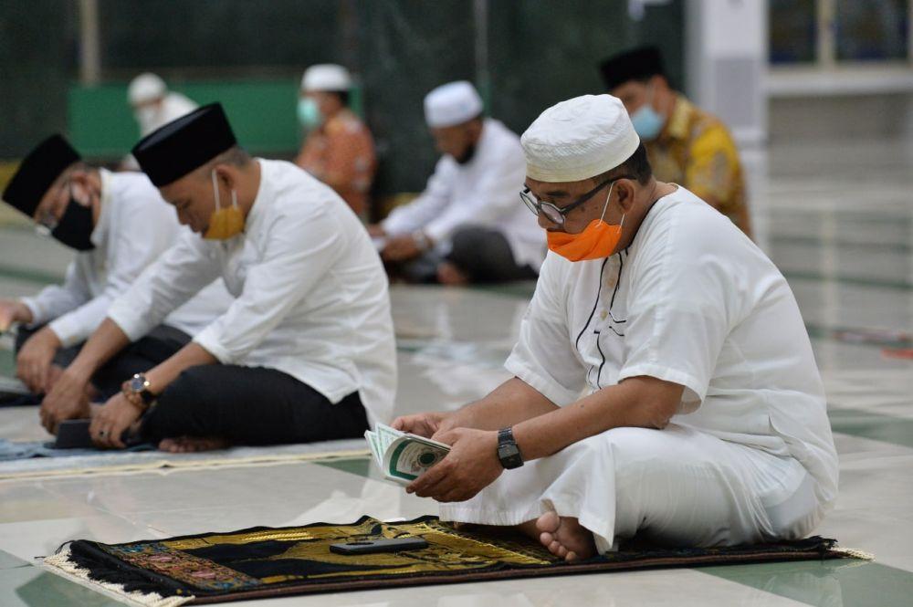 Jdih Pemerintah Provinsi Riau Wagubri Hadiri Doa Bersama Untuk Kesembuhan Gubri Dan Masyarakat Riau