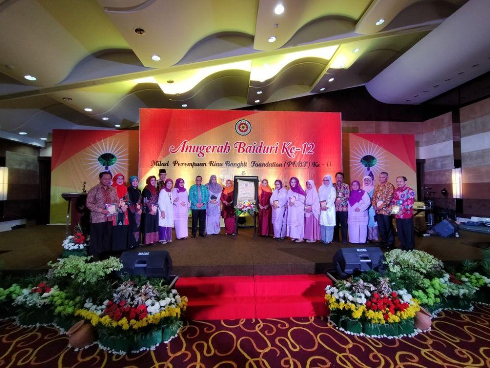 Jdih Pemerintah Provinsi Riau Wagubri Hadiri Puncak Anugerah Baiduri Ke 12l
