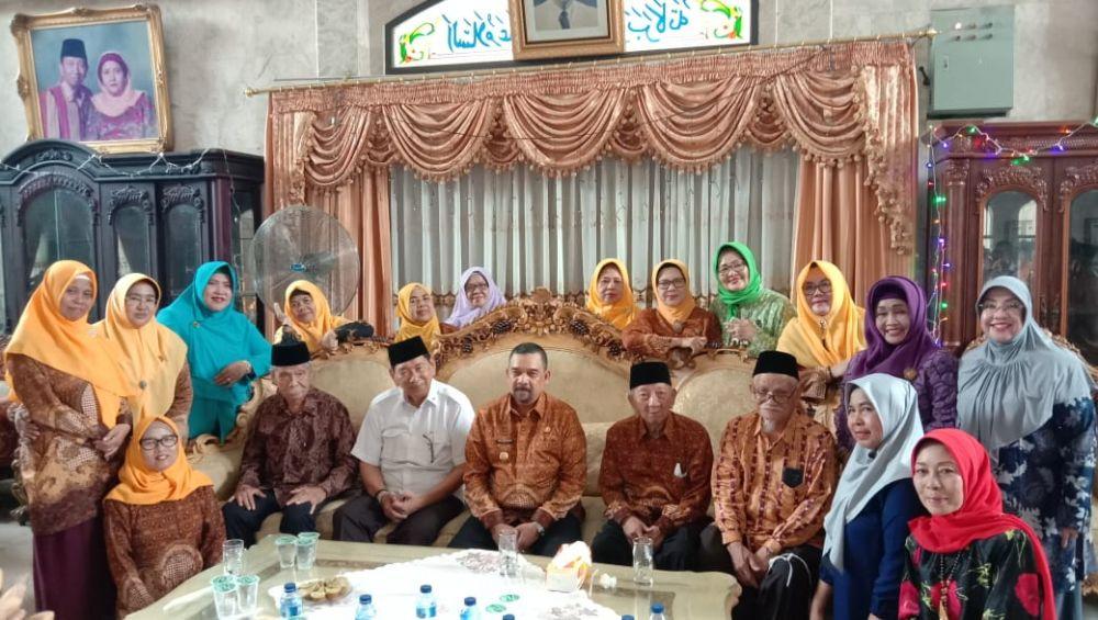 Wagubri Silaturahmi Ke Kediaman PWRI Provinsi Riau