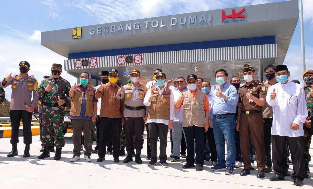 Gubernur Riau (Gubri), Syamsuar Melakukan Peninjauan Tol Pekanbaru-Dumai (Permai) Dalam Rangka Memastikan Pembangunan Tol Yang Akan Diresmikan.