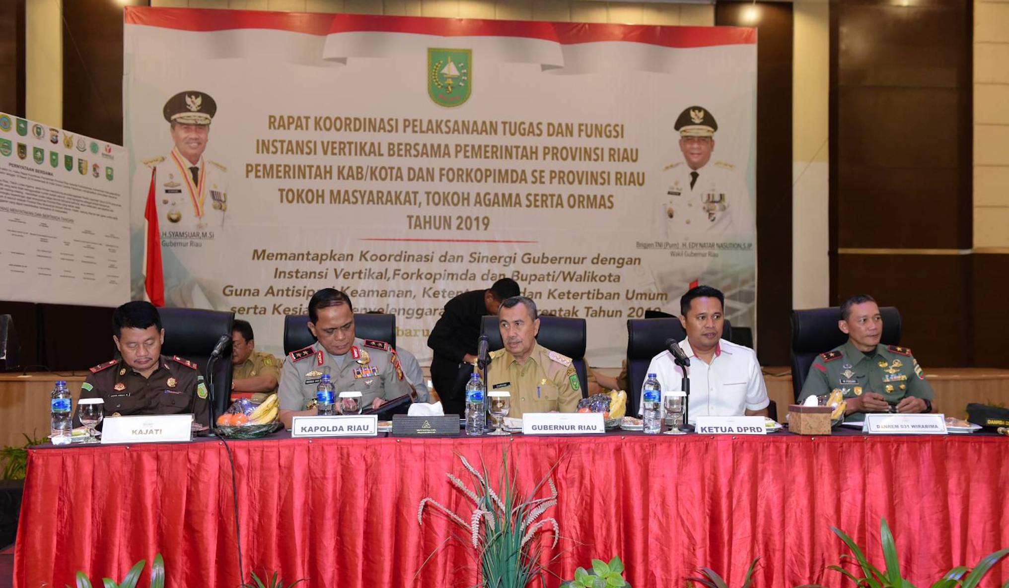 Gubernur Riau, H. Syamsuar Didampingi Forkopinda Prov. Riau Hadiri Rapat Koordinasi Pelaksanaan Tugas Dan Fungsi Instansi Vertikal Tahun 2019, Di Hotel Grand Central