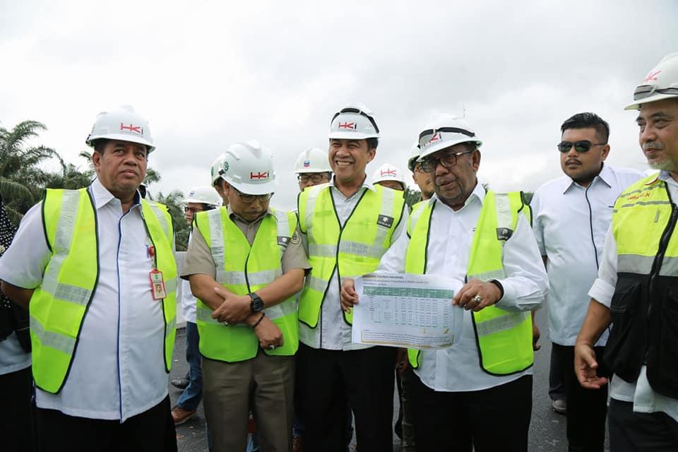 Gubernur Riau, H. Wan Thamrin Hasyim Bersama Rombongan Melakukan Pemantauan Perkembangan Pembangunan Jalan Tol Pekanbaru - Dumai