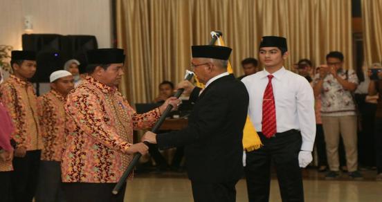 Pengukuhan Dan Pelepasan Kafilah Stq Provinsi Riau XXIV Tahun 2017 Oleh Gubernur Riau, Arsyadjuliandi Rachman.